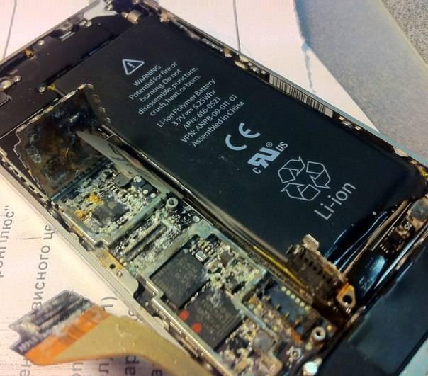 Причины и решения по которым Айфон не включается