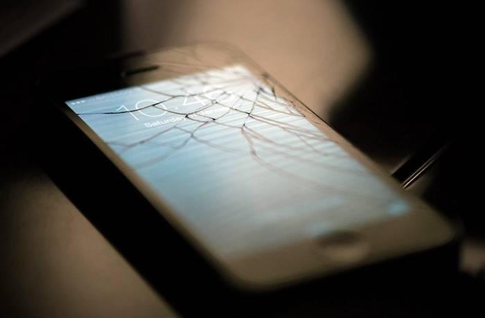 Что делать, не включается сотовый телефон