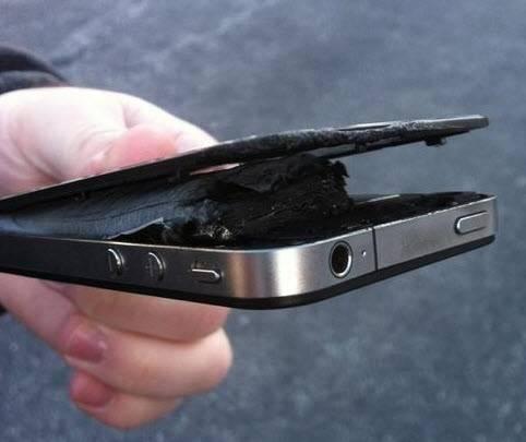 Почему iPhone перезагружается при зарядке