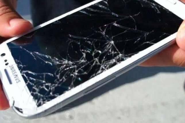 Почему телефон зависает и что делать
