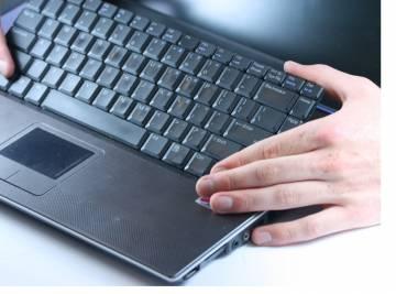Очистка клавиатуры в ноутбуке