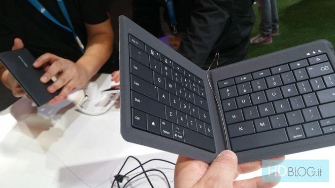 Microsoft показала универсальную складную клавиатуру