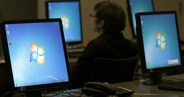 Windows 7 установлена на 55% настольных компьютеров