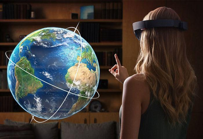 HoloLens: до 5.5 часов автономной работы и другие ранее неизвестные подробности