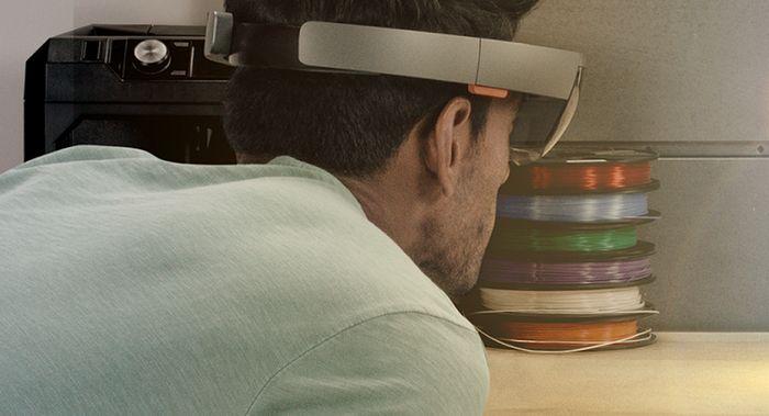 HoloLens поддерживают трансляцию игр с с Xbox One