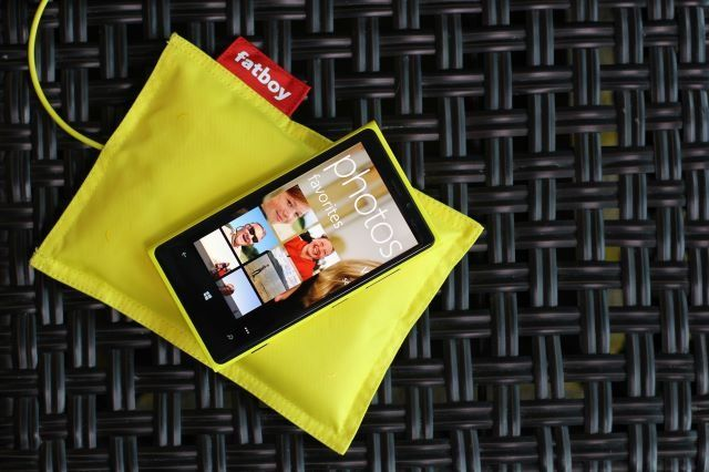 Смартфон Nokia Lumia 920 оснащен камерой, которой могут позавидовать большинство цифровых зеркальных фотоаппаратов