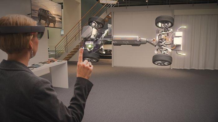 Microsoft и Volvo показали потенциал HoloLens в автомобильной промышленности