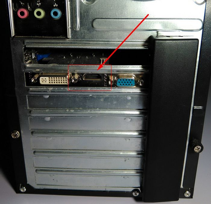 Как подключить ПК или ноутбук к телевизору