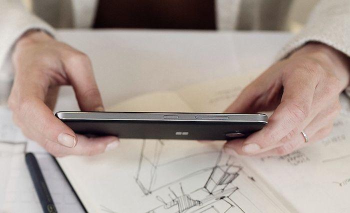 Microsoft Lumia 650: смартфон в тонком корпусе с металлической рамкой по цене 199 долларов
