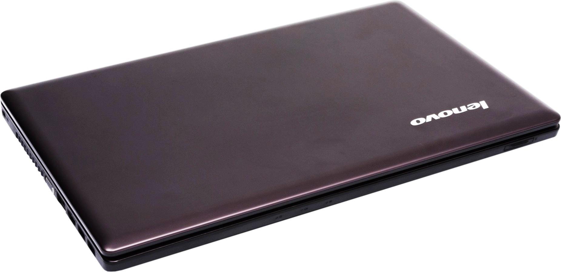 Крышка ноутбука IdeaPad Z580 украшена логотипом Lenovo, который выполнен серебряными буквами немного выступающими над поверхностью