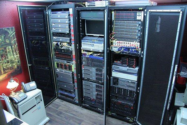 перевезти серверный шкаф